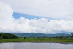 Nuvoloso sul paesaggio della montagna Immagini Stock Libere da Diritti