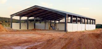 Ny åkerbruk byggnad Arkivbild