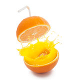 Ny apelsin som är klar att dricka royaltyfri bild