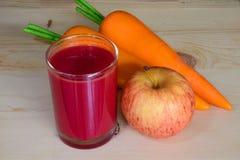 ny blandad fruktfruktsaft Royaltyfri Foto