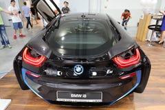 Ny BMW i8 elektrisk bil som visas på den 3rd upplagan av MOTO-SHOWEN i Krakow poland Royaltyfria Bilder