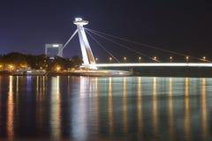 Ny bro i Bratislava på natten Fotografering för Bildbyråer