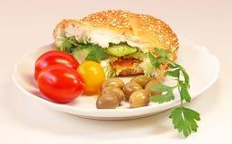 Ny bullesmörgås med ost fotografering för bildbyråer