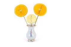 Ny citron och apelsin som isoleras på vit Arkivbilder