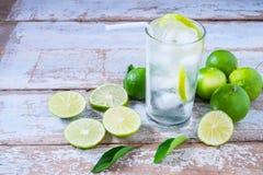 Ny citronjuice för hälsa arkivfoton