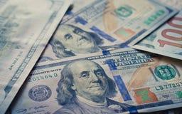 Ny dollarbakgrund Fotografering för Bildbyråer