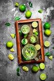 ny drink av mogna limefrukter Royaltyfria Bilder