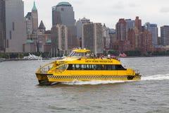 NY drogi wodnej łódź w Miasto Nowy Jork Zdjęcia Royalty Free