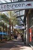 Ny exklusiv återförsäljnings- köpcentrum Arkivfoton