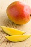 ny fruktmango Arkivbilder