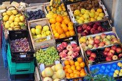 ny fruktmarknad Fotografering för Bildbyråer