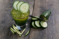Ny fruktsaft för gurka Royaltyfria Bilder