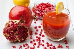 ny fruktsaftpomegranate arkivbilder