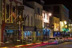 Ny gata på natten Killarney ireland Fotografering för Bildbyråer