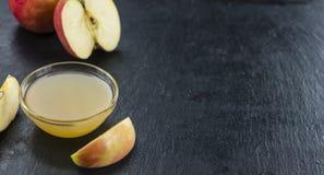 Ny gjord applesauce arkivbilder