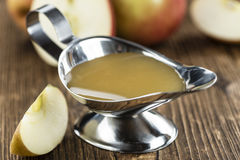 Ny gjord applesauce royaltyfria bilder