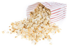 Ny gjord Popcorn på vit Fotografering för Bildbyråer