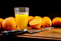 ny glass fruktsaftorange sund livstid för begrepp arkivfoton