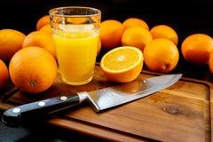 ny glass fruktsaftorange sund livstid för begrepp fotografering för bildbyråer