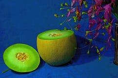 Ny grön frukt av melon, når att ha klippt Arkivfoton