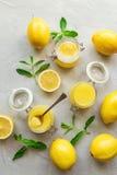 Ny hemlagad citronkräm Arkivfoton