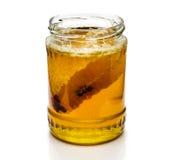 Ny honung med honungskakan. Royaltyfri Fotografi