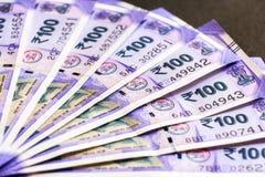 Ny indier hundra rupier sedlar arkivfoton