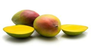 ny isolerad mango Arkivfoto