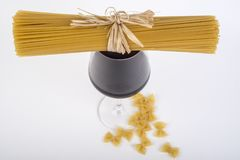 Ny italiensk pasta, spagetti royaltyfri foto