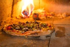 ny italiensk pizza Arkivbilder