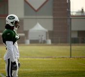 NY Jets Cornerback watches training Stock Photography