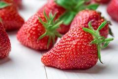 ny jordgubbe för bakgrund Moget i närbild Royaltyfria Bilder