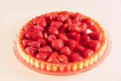 Ny jordgubbekaka Arkivfoto