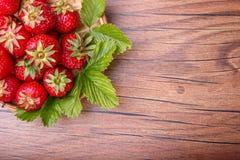 ny jordgubbewhite för bunke Arkivfoton