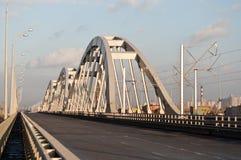 Ny kombinerad väg-järnväg bro i Kyiv Arkivbilder