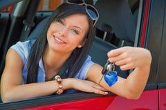 ny kvinna för bil Arkivfoto