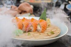 Ny kyld sushi Arkivfoto