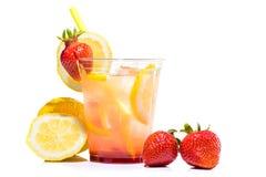 ny lemonad i den glass koppen royaltyfri bild