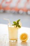ny limonade Arkivfoton