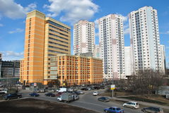 Ny lyxig Offce och Residental byggnad arkivfoton