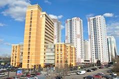 Ny lyxig Offce och Residental byggnad royaltyfria bilder