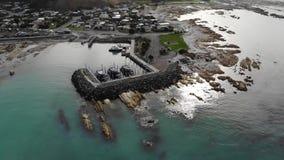 Ny marina Kaikoura- Nya Zeeland för södra fjärd stock video