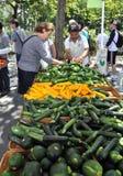 NY: Mercado dos fazendeiros da avenida de Columbo imagens de stock