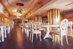 Ny och ren lyxig restaurang i europeisk stil Amara Dolce Vita Luxury Hotel semesterort Tekirova-Kemer Arkivbild