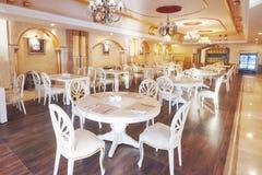 Ny och ren lyxig restaurang i europeisk stil Amara Dolce Vita Luxury Hotel semesterort Tekirova-Kemer Fotografering för Bildbyråer