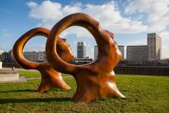 Ny offentlig skulptur på London Millbank Royaltyfria Foton