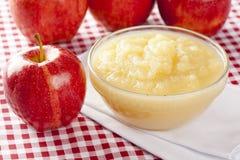 Ny organisk AppleSauce royaltyfria foton