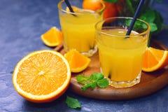 Ny organisk orange fruktsaft Fotografering för Bildbyråer