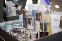 Ny parfumepresentation Royaltyfria Bilder