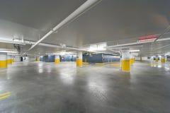ny parkering för garage Arkivfoton
